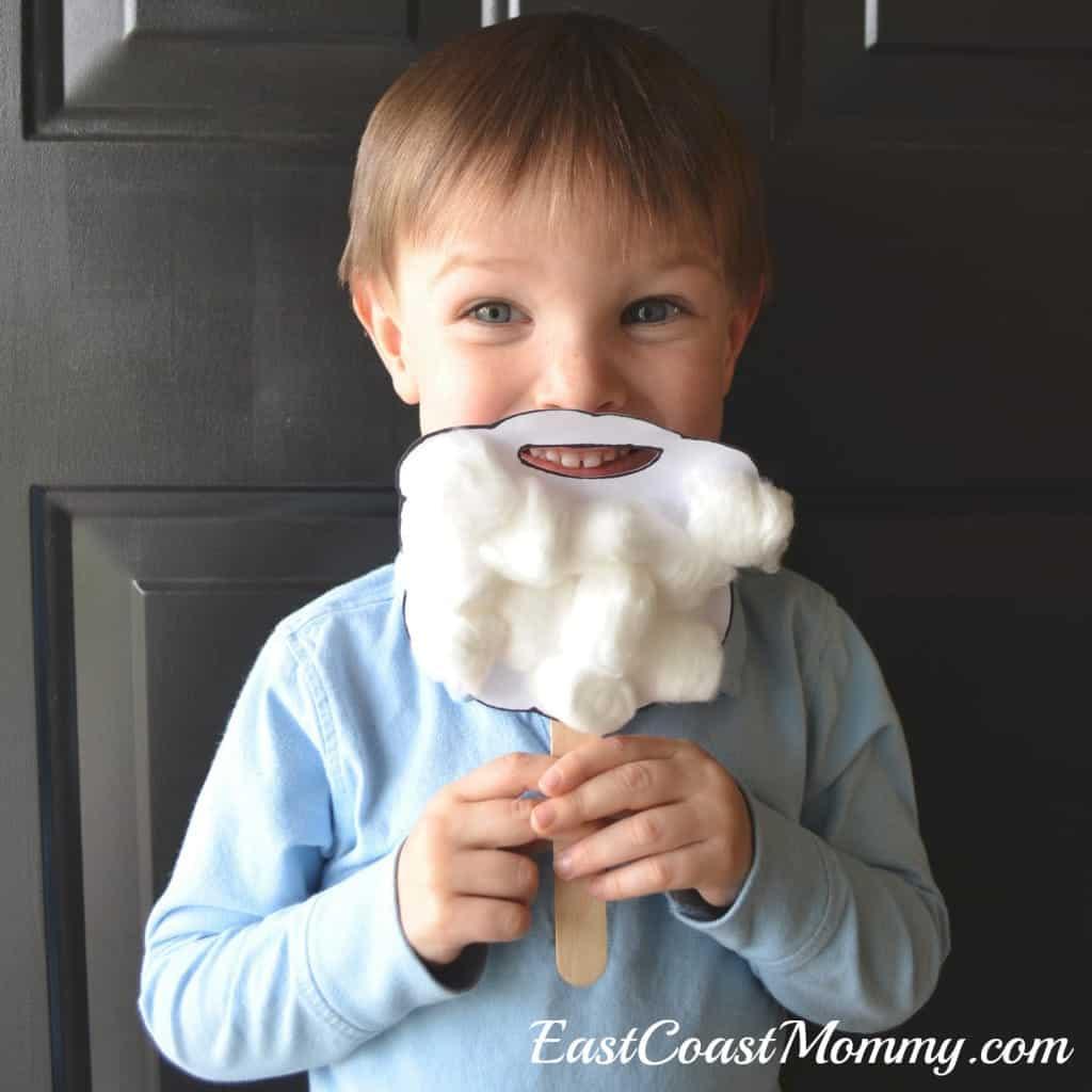 Here's a fun Santa beard Christmas craft for preschoolers with a free downloadable template. | homeschoolpreschool.net