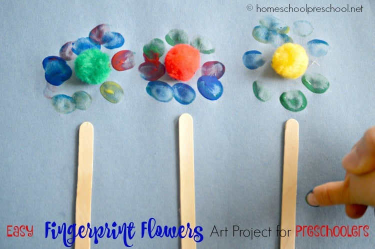 Your preschooler will love making these easy fingerprint flowers! You'll love the keepsake! | homeschoolpreschool.net