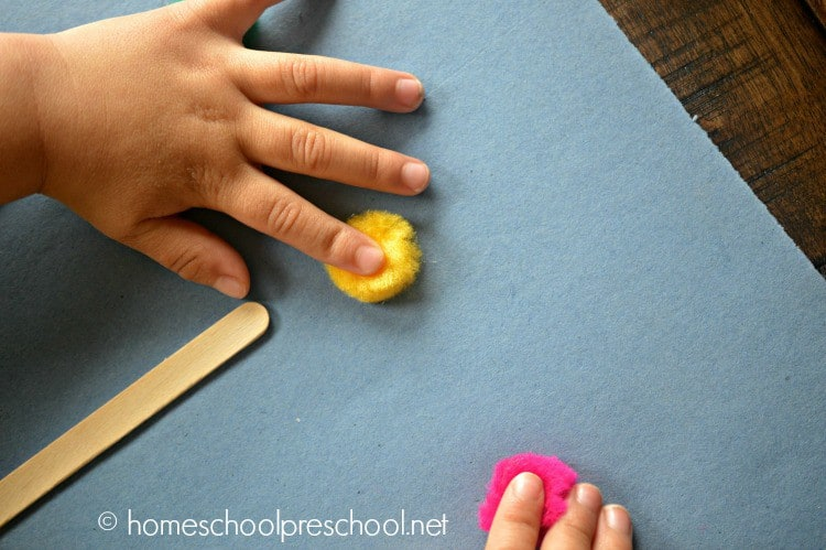 Preschool Fingerprint Flower Art Project | homeschoolpreschool.net