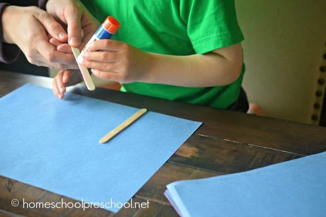Preschool Fingerprint Flower Art Project   homeschoolpreschool.net