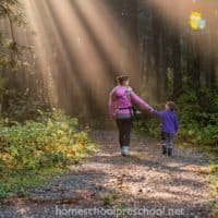5 Tips to Enjoy Nature Hikes with Preschoolers