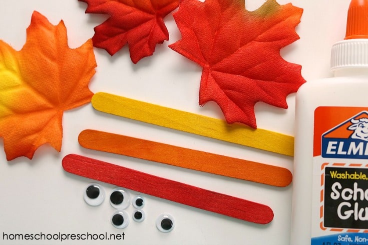 Are you looking for a simple fall craft to do with your preschoolers? This Fall Leaf Family is a simple leaf craft you can with with tots and preschoolers.