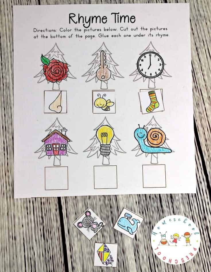 Rhyming is an important skill for new readers to practice. These simple rhyming words puzzles are fun for preschoolers and kindergarteners.