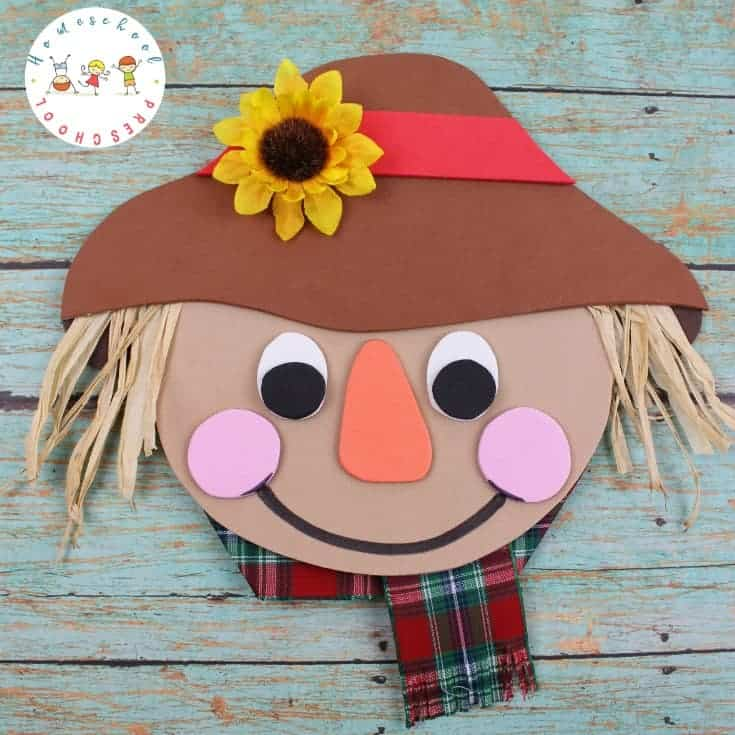 Simple Scarecrow Craft and Book List for Kids {Free Template}