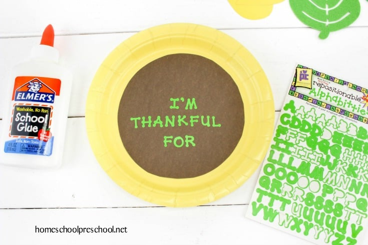 Inspire preschoolers to express gratitude this holiday season with this sunflower paper plate craft. Each petal represents something they're thankful for.