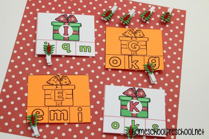 Looking for some seasonal alphabet games? I've got three Christmas-themed alphabet games for kindergarten and preschool you don't want to miss!