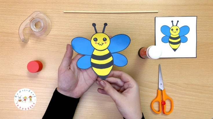 This printable bee craft for preschoolers is so cute! It is super simple to make, and it's sure to inspire hours of imaginative play.