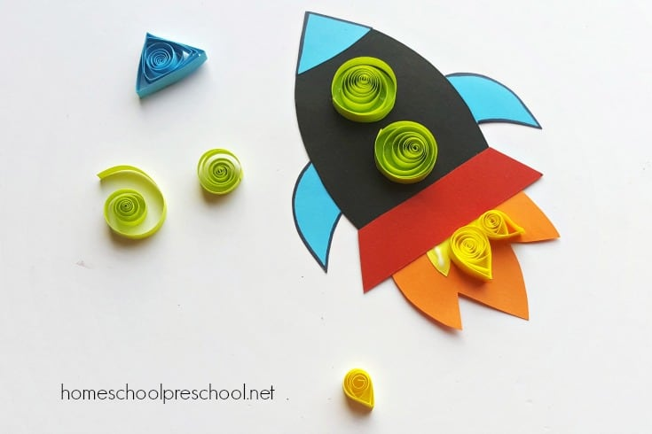 Looking for an easy rocket ship craft for kids? Our simple paper quilled rocket craft includes a printable template, making it perfect for home and school.