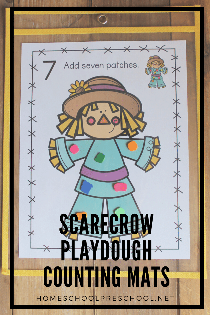 This fall, your preschoolers can practice counting to ten as they add patches to the scarecrows on these scarecrow playdough mats!